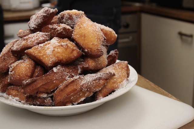beautiful, beautiful beignets (Eat Me. Drink Me.)
