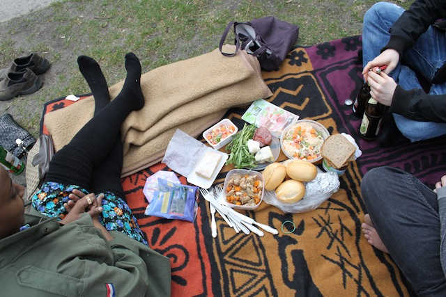 cold picnic in Berlin (Eat Me. Drink Me.)