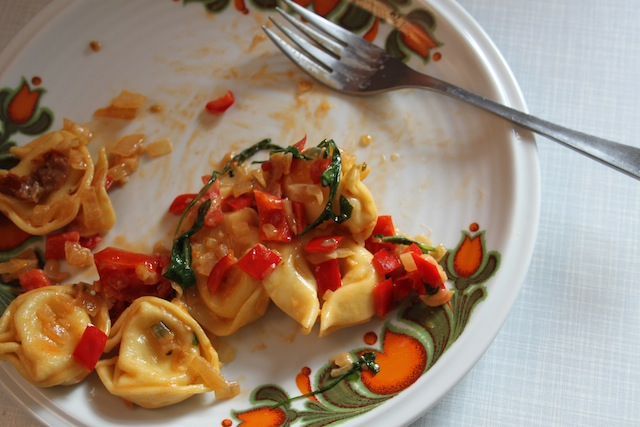 tortellini with arugula and tomato (Eat Me. Drink Me.)