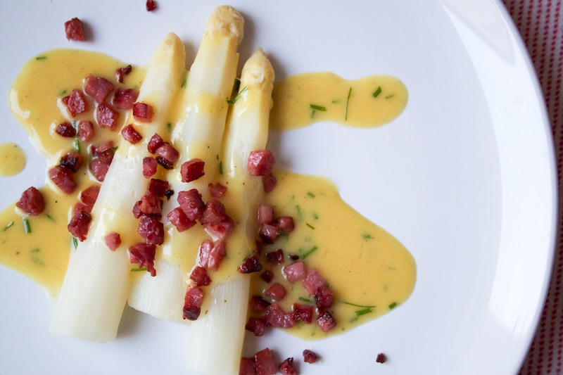 White asparagus with bacon and honey-mustard dressing (Eat Me. Drink Me.)