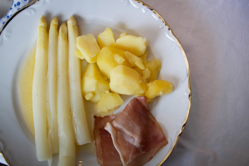 Asparagus, potatoes and ham (Eat Me. Drink Me.)