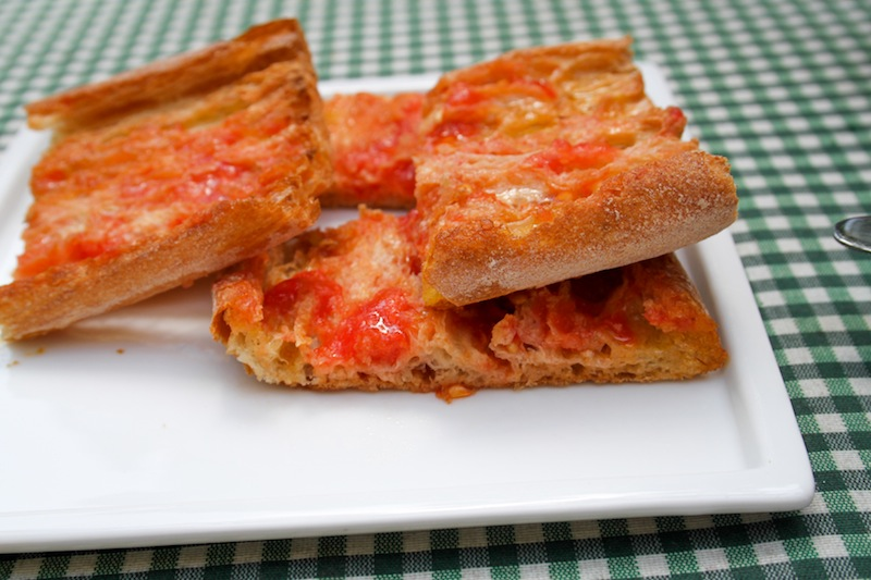 Bread with garlic and tomato (Eat Me. Drink Me.)