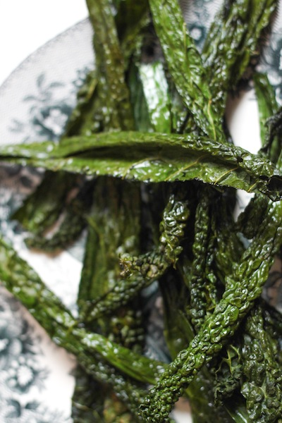 Kale chips recipe (Eat Me. Drink Me.)