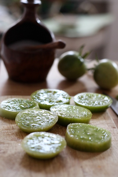Sliced green tomatoes (Eat Me. Drink Me.)