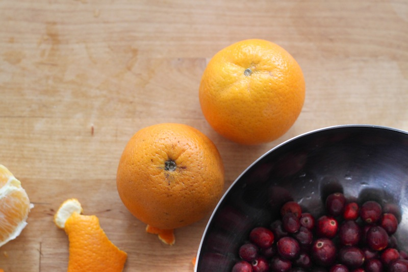 Oranges and cranberries (Eat Me. Drink Me.)