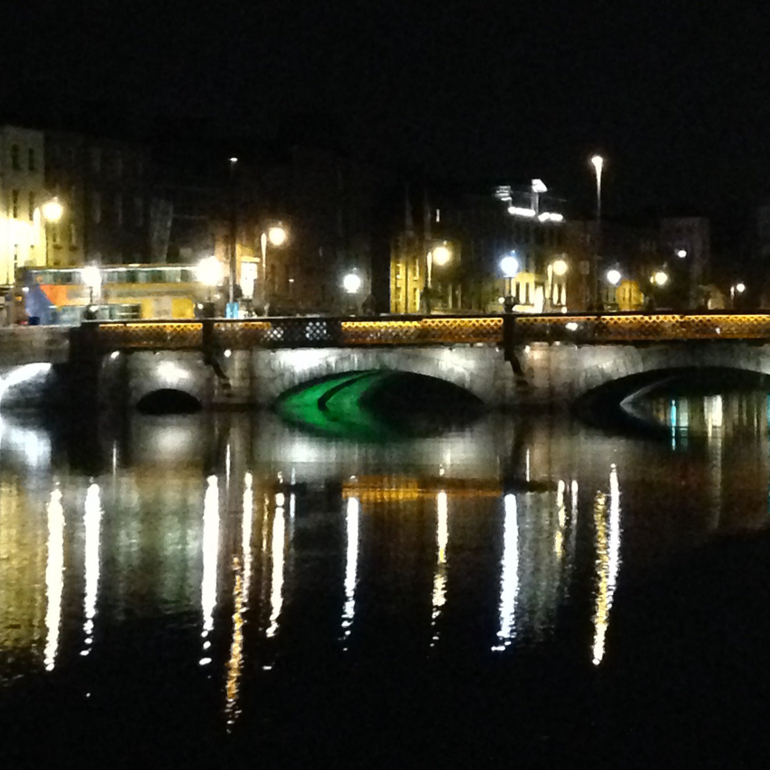 The Liffey at night (Eat Me. Drink Me.)