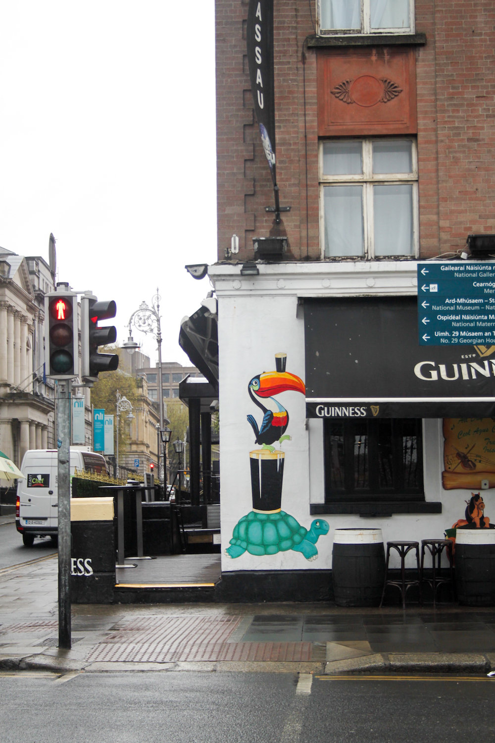 The Guinness bird (Eat Me. Drink Me.)