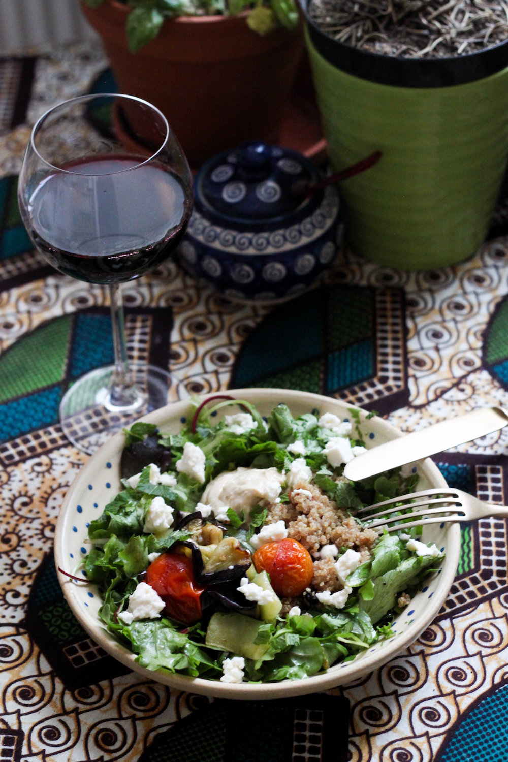 Mediterranean summer salad with roast veggies and hummus (Eat Me. Drink Me.)