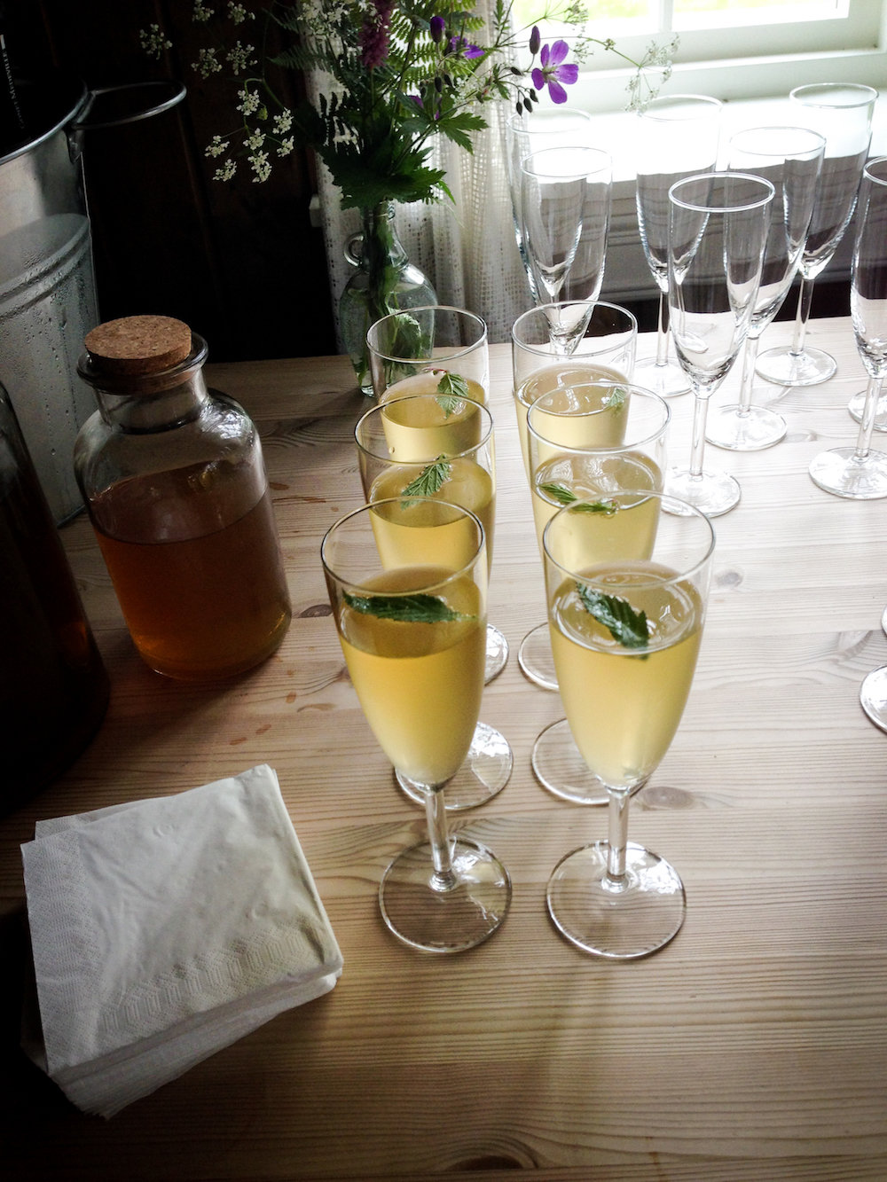 Meadowsweet syrup with champagne (Eat Me. Drink Me.)