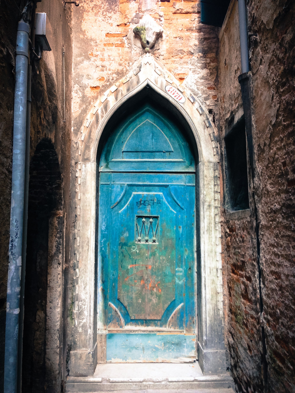Blue doorway in Venice (Eat Me. Drink Me.)