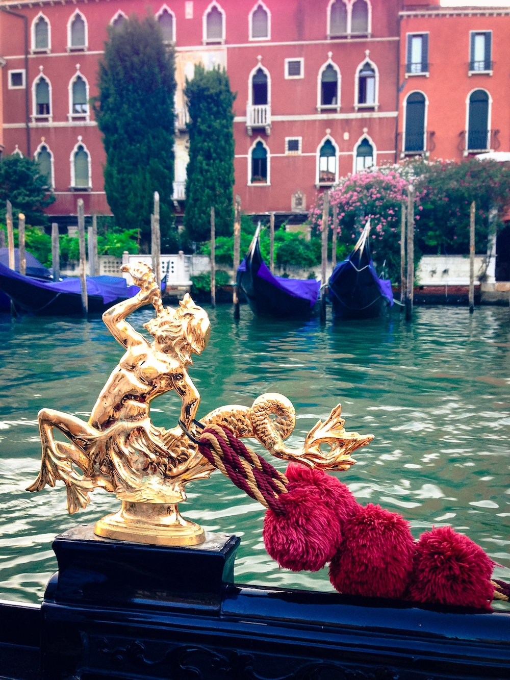 Gondola decor (Eat Me. Drink Me.)