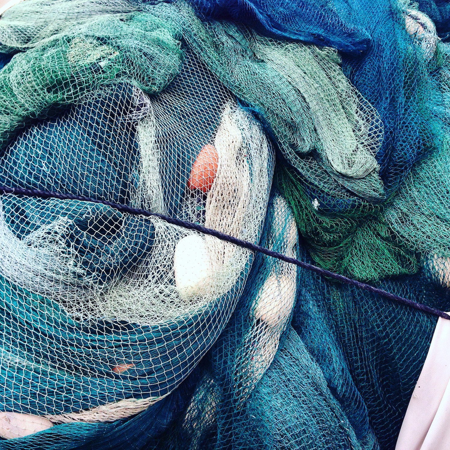 A tangle of nets, Tel Aviv (Eat Me. Drink Me.)