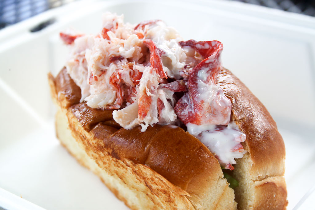 Lobster roll with mayo (Eat Me. Drink Me.)