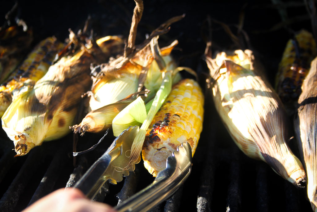 Sweet corn on the grill (Eat Me. Drink Me.)