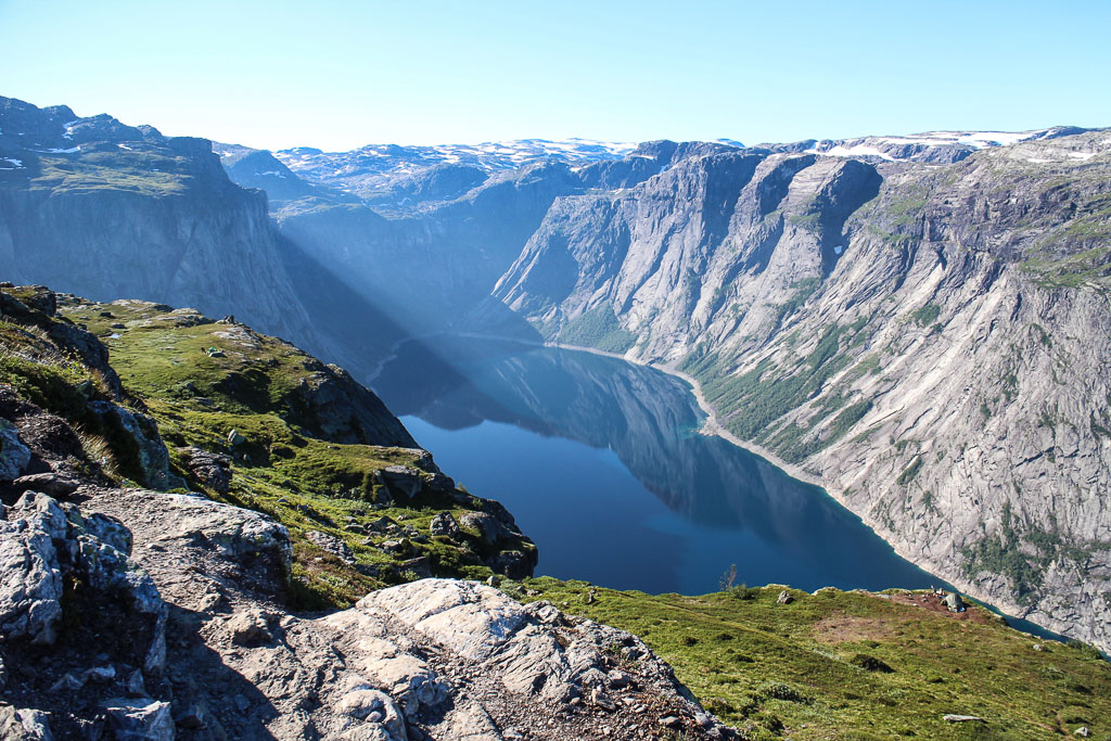 Hiking to Trolltunga (Eat Me. Drink Me.)