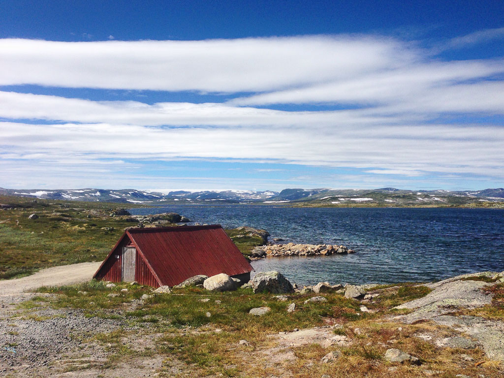 Red house, Hardangervidda (Eat Me. Drink Me.)