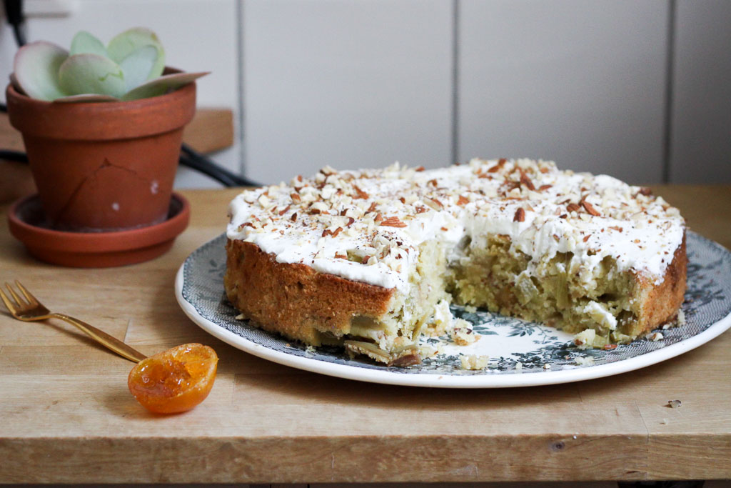 Cake with candied orange (Eat Me. Drink Me.)