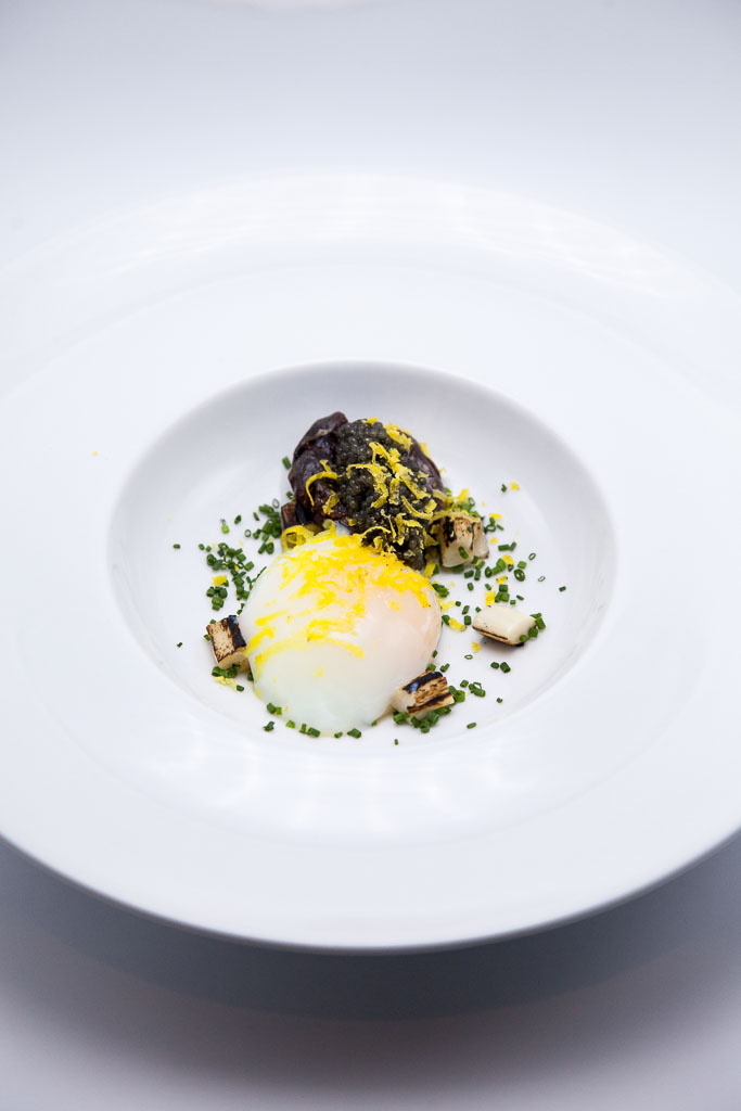 Sous-vide egg with caviar and heart of palm (photo courtesy of alma cocina latina)